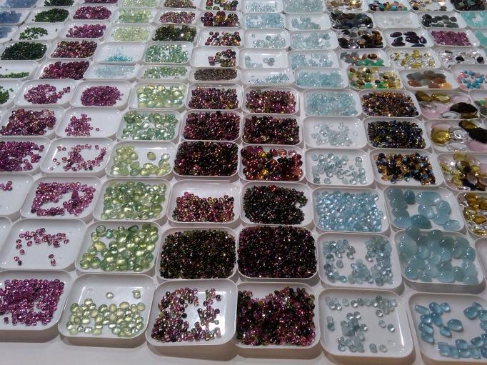 180205-TGS-gem trays-144952
