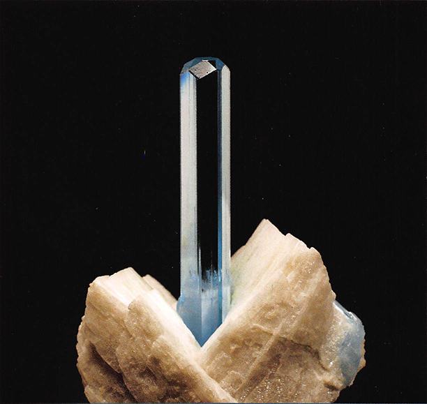 aquamarine_excalibur_crop